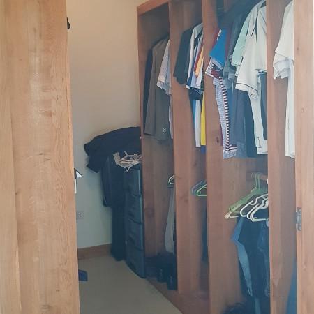 เดินเข้าไปในตู้เสื้อผ้า